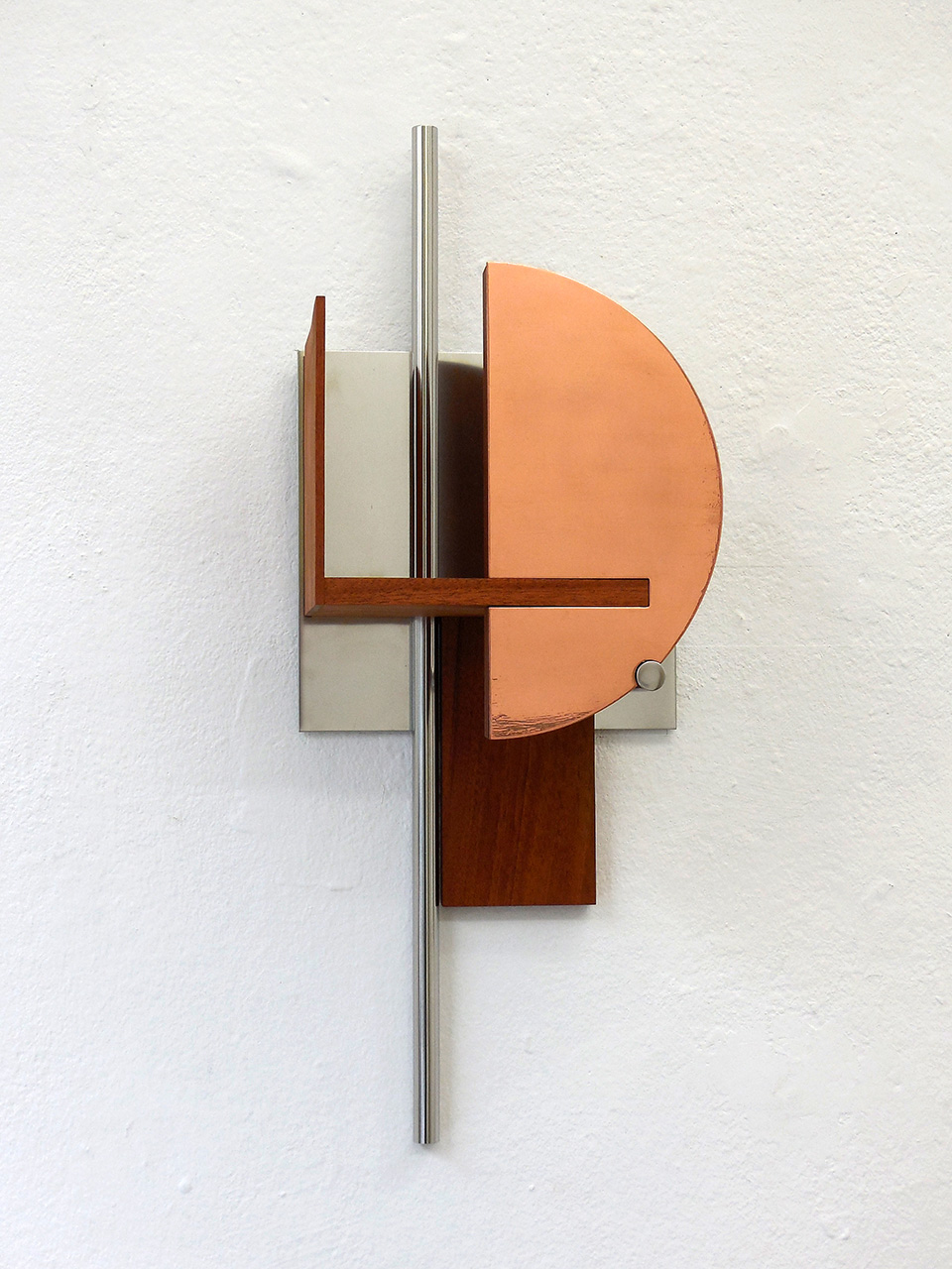 «Shapes for a perfect world. Shape 1», 2017, Mahogany, steel, bronze, 61 x 23 x 17 cm