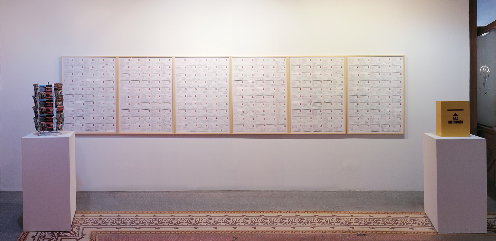 «300 postcards to the mayor», 2018, Installation, Postcard display stand, mailbox and 6 photo prints of 120 x 85 cm with 50 postcards each.