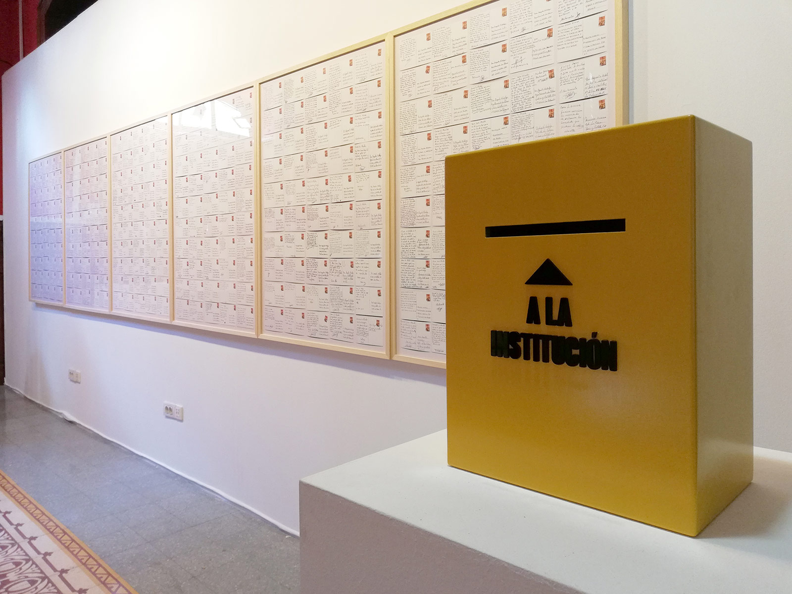 «To the institution», 2018, Mailbox, lacquered DM and methacrylate, 40 x 30 x 20 cm