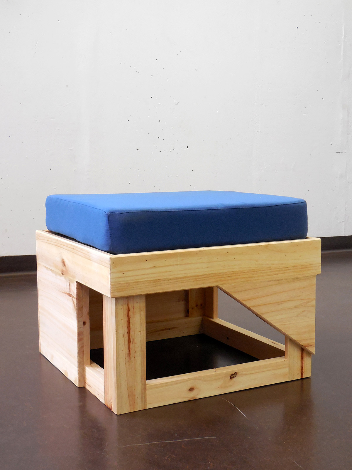 «Furniture for democracy», 2017, Pine wood, foam and cloth